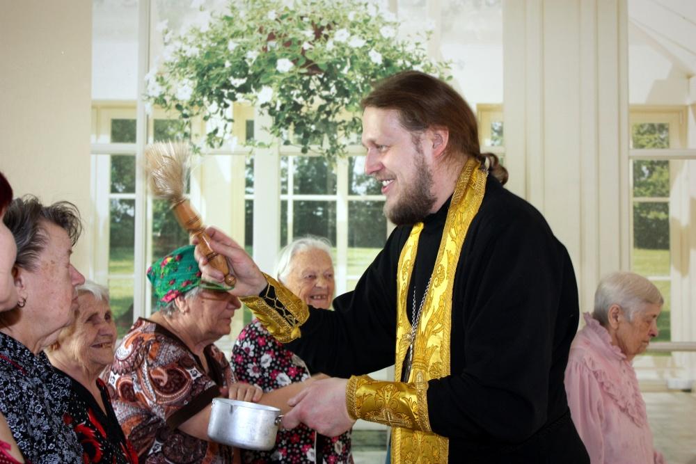 Освящение дома для престарелых картинки домов для престарелых