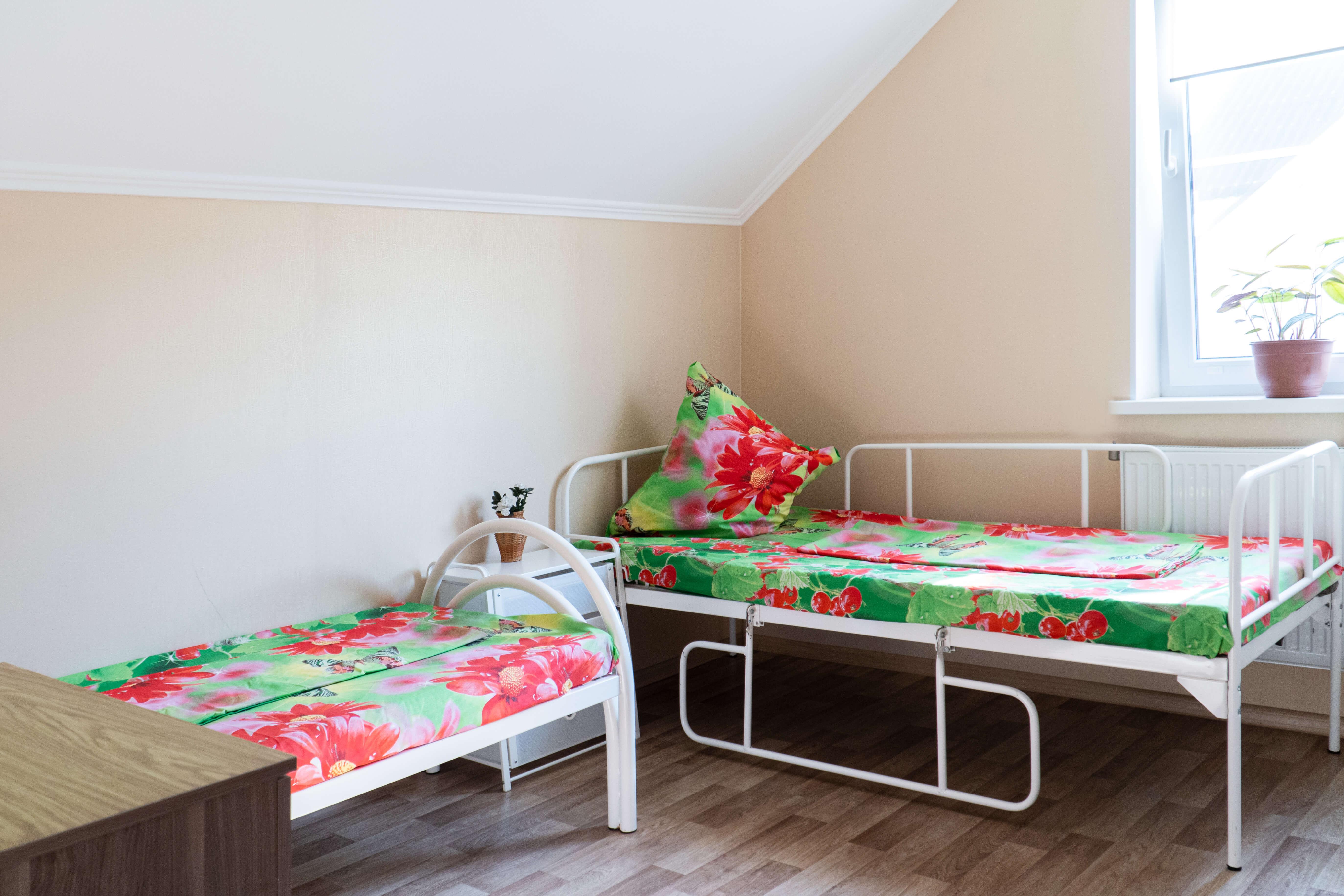 Оборудованная комната для лежачих пожилых людей в пансионате Молоково